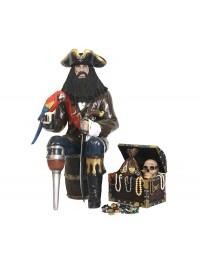 Pirat Blackbeard auf Weinfass mit Schatztruhe