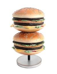 2 Burger auf kleinem Ständer