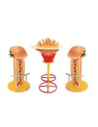 Pommestisch auf Ständer und Hot Dog Burger Sitzen