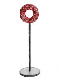 Donut rot auf Ständer