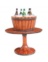 Holztisch mit Halben Weinfass als Eisfach