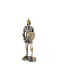 Ritter Silber und Gold mit Axt und Schild