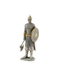 Ritter Silber und Gold mit großer Axt und Schild