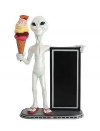 Alien mit Angebotstafel und Eis mit Waffel