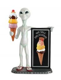 Alien mit EisAngebotstafel und Eis