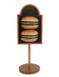 2 Burger auf Angebotstafel auf Ständer