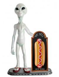 Alien mit Hotdog auf Angebotstafel