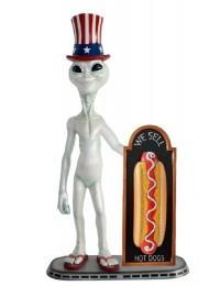 Alien amerika mit Hotdog auf Angebotstafel