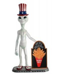 Alien amerika mit Pommes auf Angebotstafel
