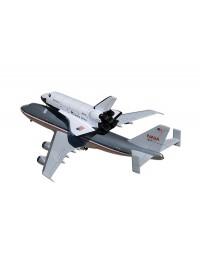Flugzeug Boeing 747 und Space Shuttle
