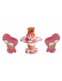 Eistisch mit Eiscremesitzen