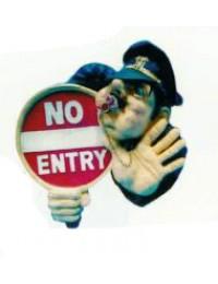 Zutritt verboten Schild *No Entry* mit Polizisten