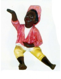 farbiger Junge klein mit roter Kleidung