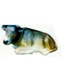 dunkelgraue liegende Kuh