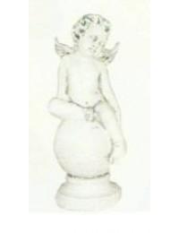 antiker sitzender Engel auf Kugel