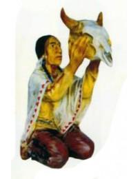 Indianischer Medizinmann mit Schädel