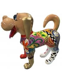 Künstlerisch bemalter Hund