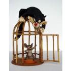 Katze und Maus am Käfig