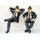 Blues Brothers sitzend