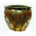 grünes Pflanzgefäß mit goldener Weinmusterung