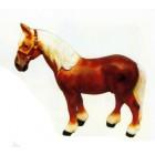 kleines Pferd braun