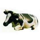 große liegende Kuh gefleckt