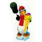 großer Pinguin mit Eistüte und Angebotstafel