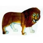 großer starker Löwe laufend