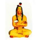 sitzender Indianer im Schneidersitz