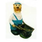 Robbe als Seemann mit Schubkarre groß