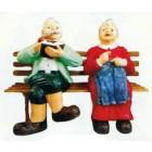 Opa und Oma sitzend auf Bank groß